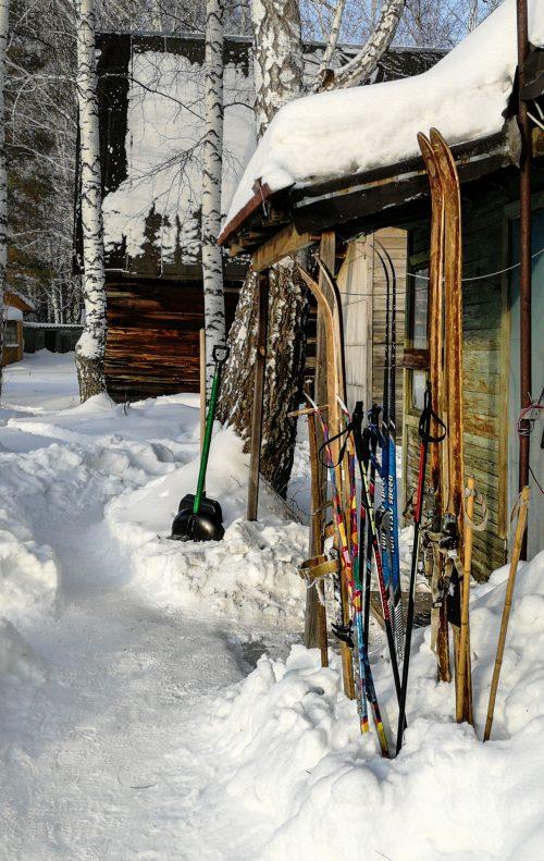 Лыжи дача снег новый год